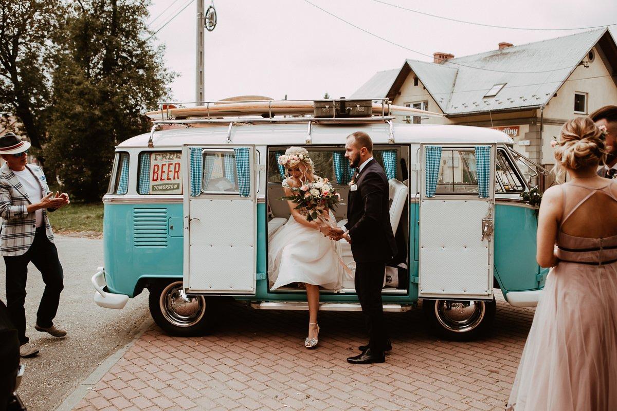 Monika i Daniel - reportaż ślubny i sesja w Mogilanach. 33
