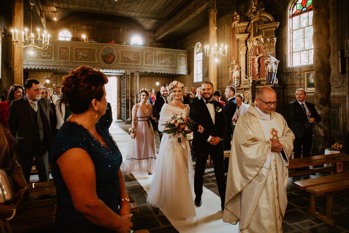 Monika i Daniel - reportaż ślubny i sesja w Mogilanach. 352