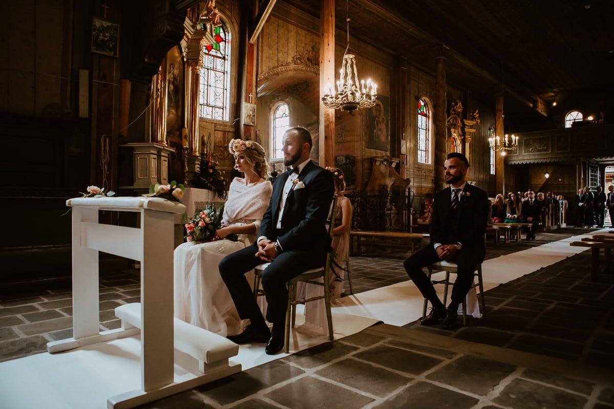 Monika i Daniel - reportaż ślubny i sesja w Mogilanach. 45