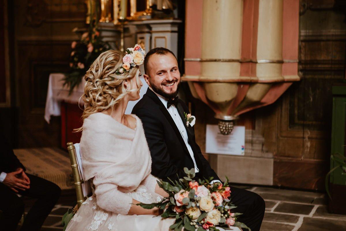 Monika i Daniel - reportaż ślubny i sesja w Mogilanach. 47
