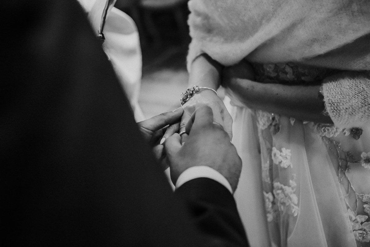 Monika i Daniel - reportaż ślubny i sesja w Mogilanach. 50