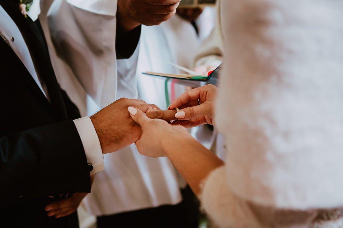Monika i Daniel - reportaż ślubny i sesja w Mogilanach. 365