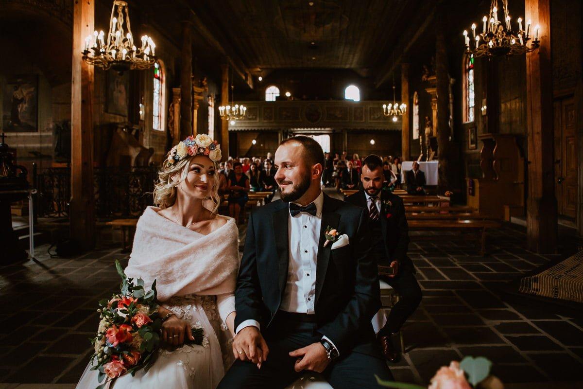 Monika i Daniel - reportaż ślubny i sesja w Mogilanach. 53