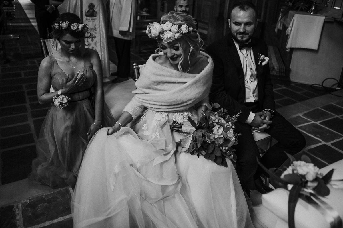 Monika i Daniel - reportaż ślubny i sesja w Mogilanach. 54