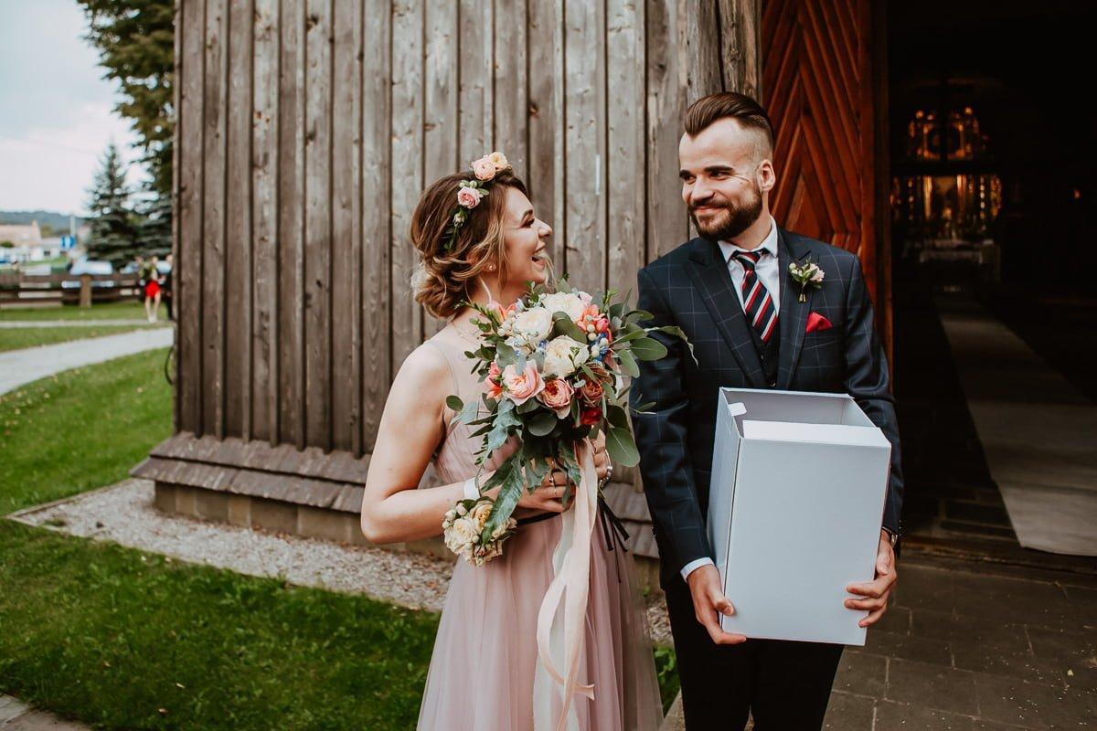 Monika i Daniel - reportaż ślubny i sesja w Mogilanach. 372