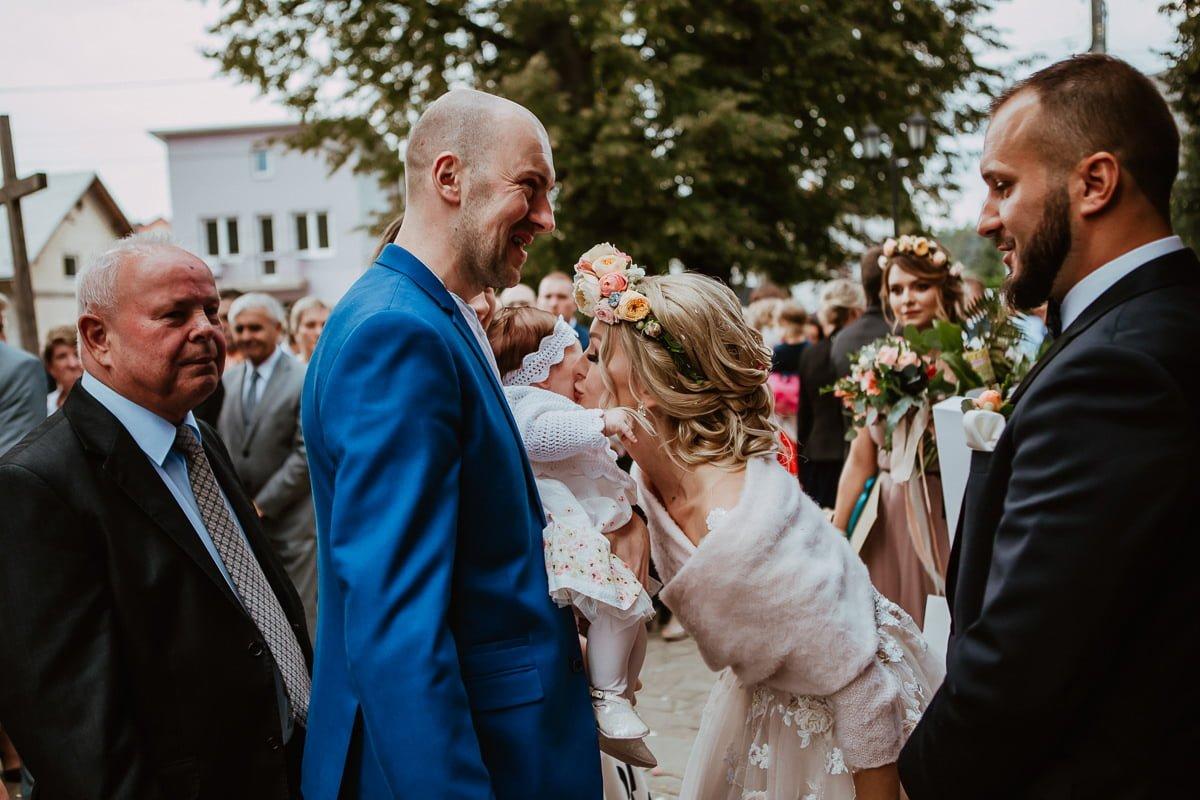 Monika i Daniel - reportaż ślubny i sesja w Mogilanach. 59
