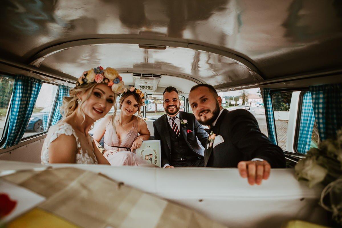 Monika i Daniel - reportaż ślubny i sesja w Mogilanach. 376