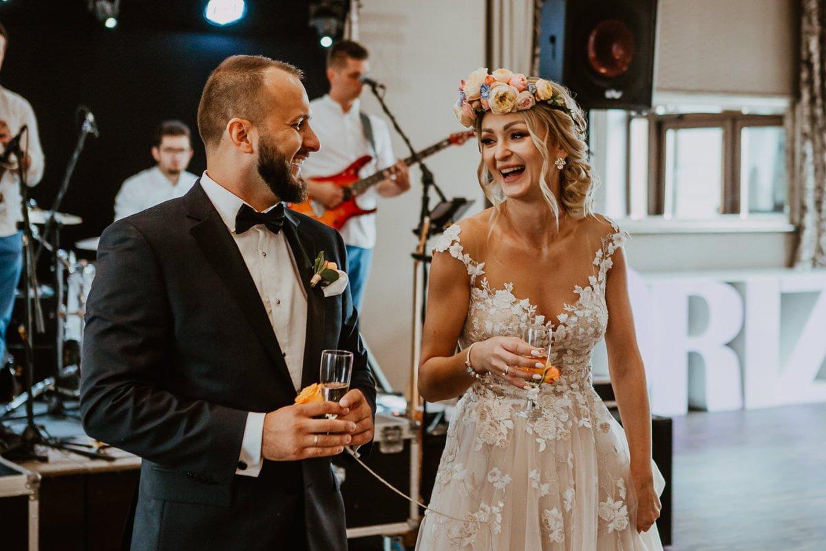 Monika i Daniel - reportaż ślubny i sesja w Mogilanach. 391