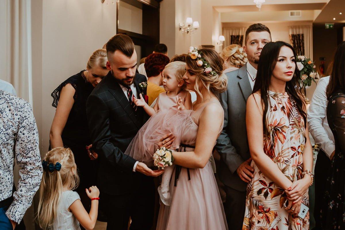 Monika i Daniel - reportaż ślubny i sesja w Mogilanach. 398