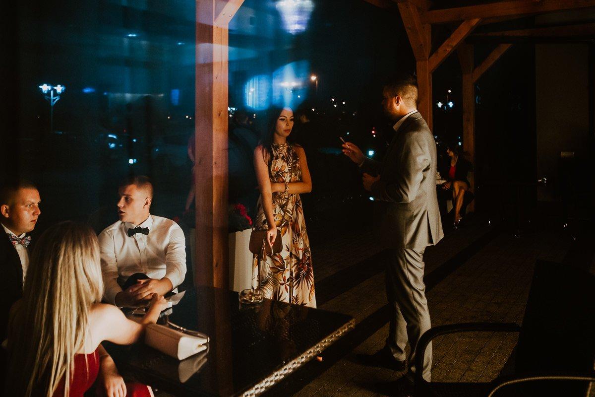 Monika i Daniel - reportaż ślubny i sesja w Mogilanach. 98