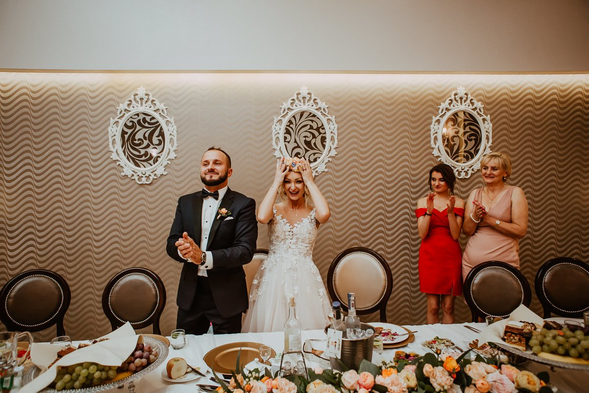 Monika i Daniel - reportaż ślubny i sesja w Mogilanach. 102