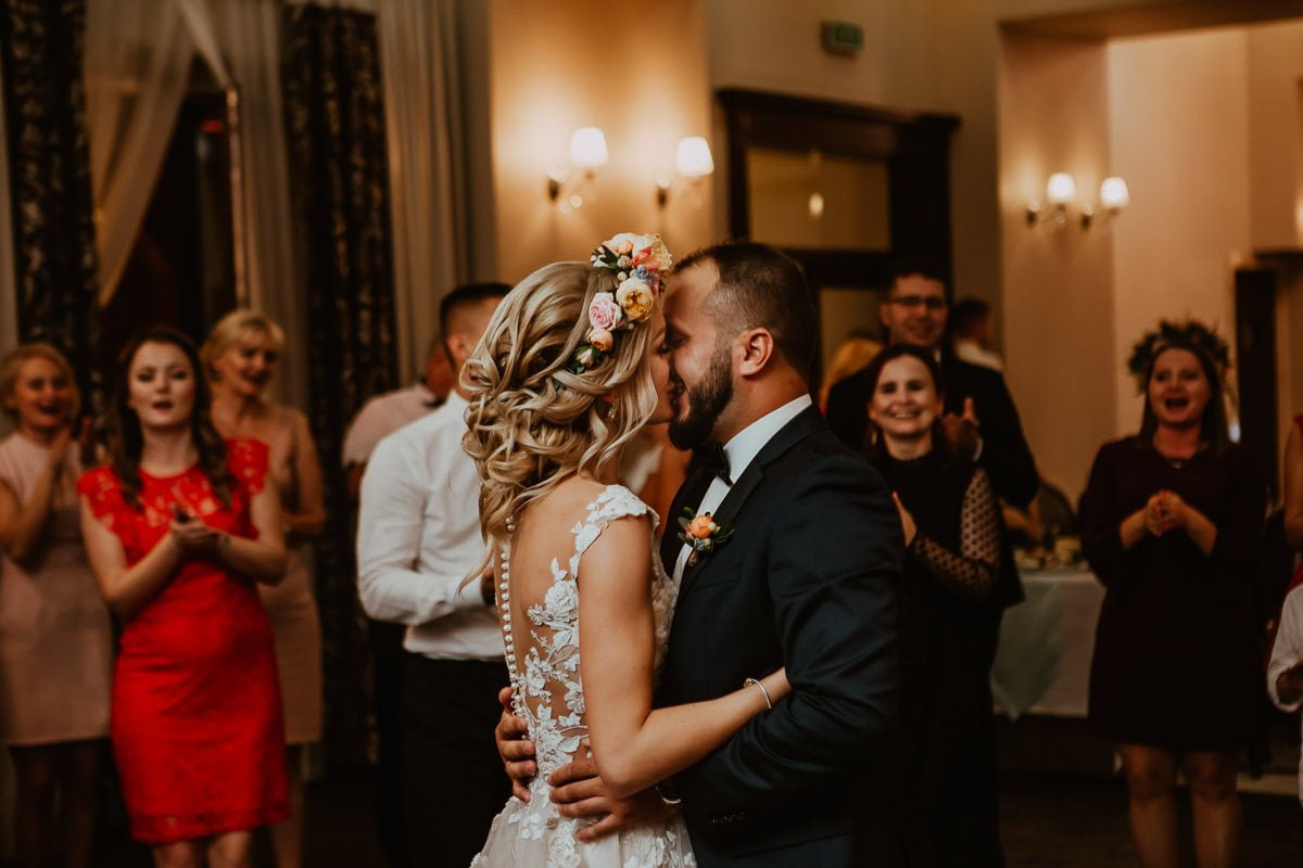 Monika i Daniel - reportaż ślubny i sesja w Mogilanach. 428