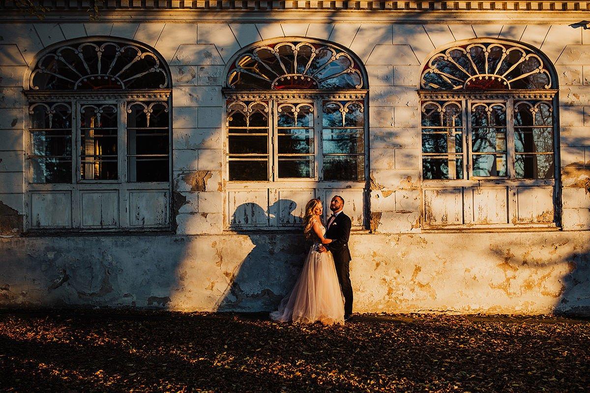 Monika i Daniel - reportaż ślubny i sesja w Mogilanach. 143