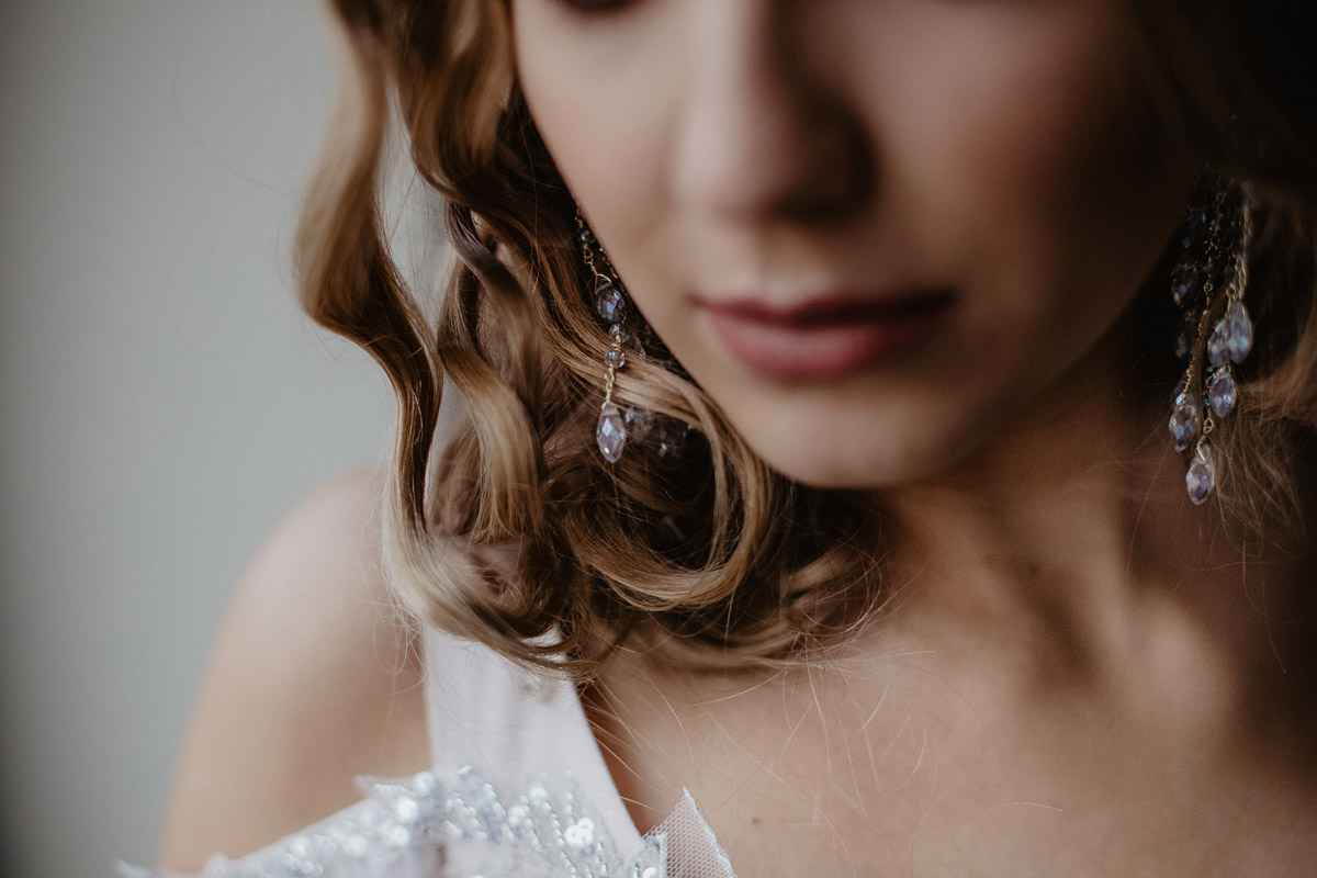 Weronika i Kamil - sesja ślubna stylizowana w stylu lat 20-stych z nutką boho 14