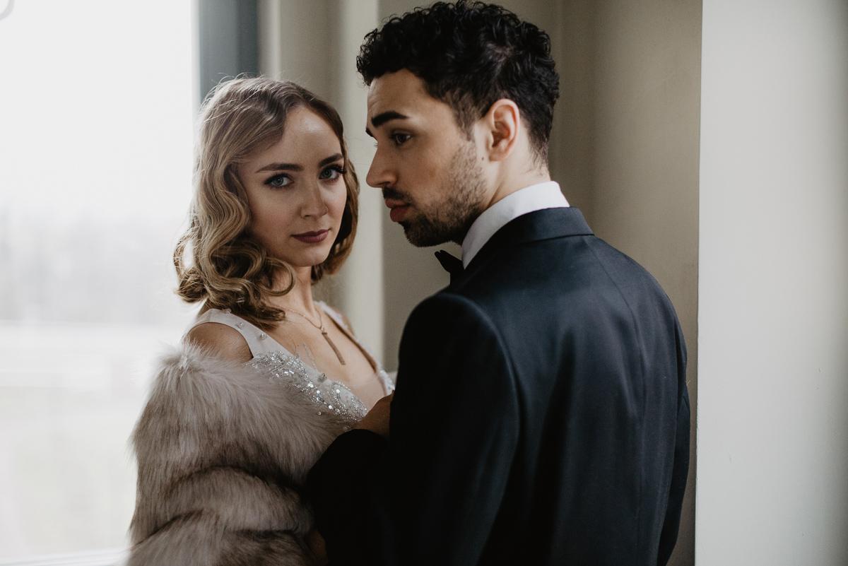 Weronika i Kamil - sesja ślubna stylizowana w stylu lat 20-stych z nutką boho 22