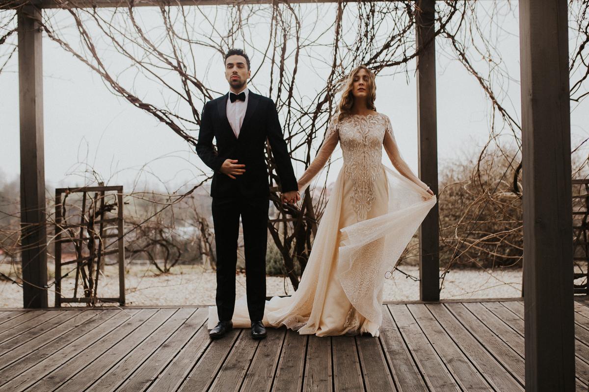Weronika i Kamil - sesja ślubna stylizowana w stylu lat 20-stych z nutką boho 40