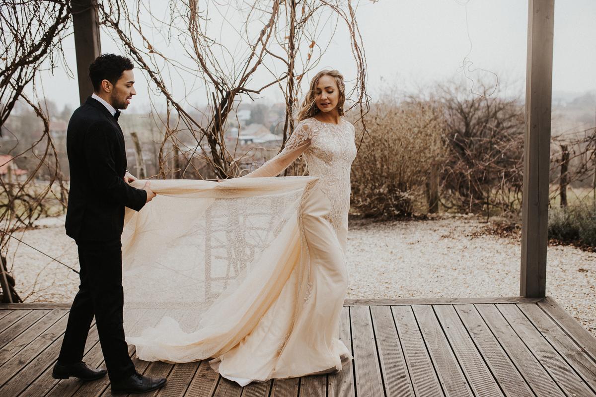 Weronika i Kamil - sesja ślubna stylizowana w stylu lat 20-stych z nutką boho 44