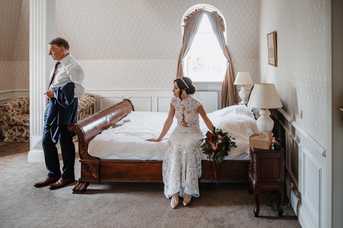 Marta i Krzysiek - ślub kościelny w plenerze - Dwór Sieraków 41