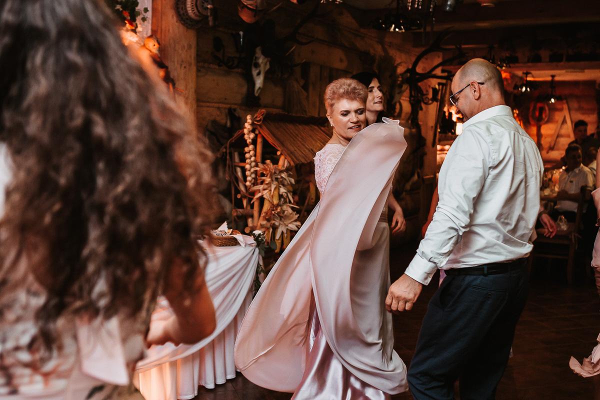 Sylwia i Piotr - ślub w Kościelisku i sesja w górach 144